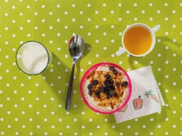 Cum se alimenteză Birta Gudrun Brynjarsdottir la micul dejun. PC: nytimes.com