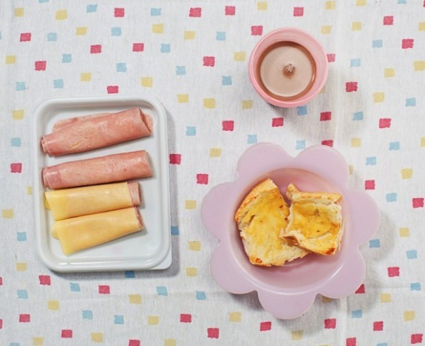Cum se alimentează Aricia Domenica Ferreira și Hakim Jorge Ferreira Gomes la micul dejun. PC: nytimes.com
