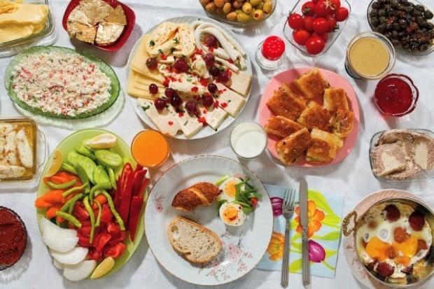 Cum se alimentează Doga Gunce Gursoy la micul dejun. PC: nytimes.com