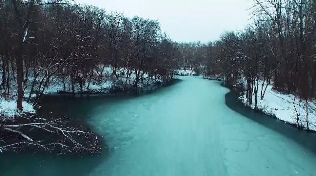 """(video) Chișinăul """"cernut"""" cu nea, filmat de la înălțime cu o dronă"""