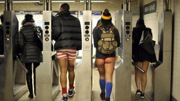 Duminică se va circula fără pantaloni în metrouri