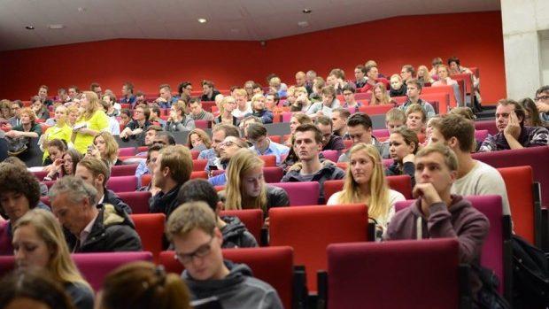 Studenții pot câștiga o bursă de studii în valoare de până la 25.000 de euro în Olanda