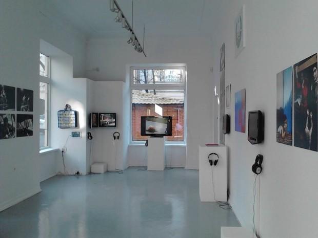 """Expoziția artiștilor autohtoni la Varșovia """"În așteptarea timpurilor mai bune"""". PC: Facebook/Tatiana Fiodorova"""