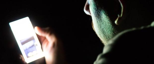 Ecranele afectează calitatea somnului adolescenților
