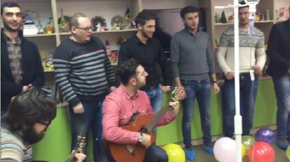 (video) Brio Sonores, Adrian Ursu și Tania Cerga au cântat pentru copiii bolnavi de cancer