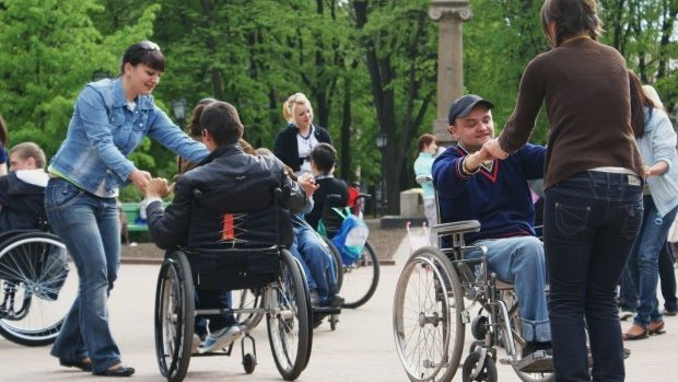 Participă la un concurs video și foto despre persoanele cu dizabilități din Moldova
