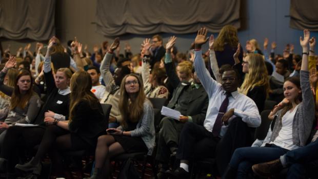 Tineri din Moldova – membri în cel mai mare Parlament al Studenților din lume