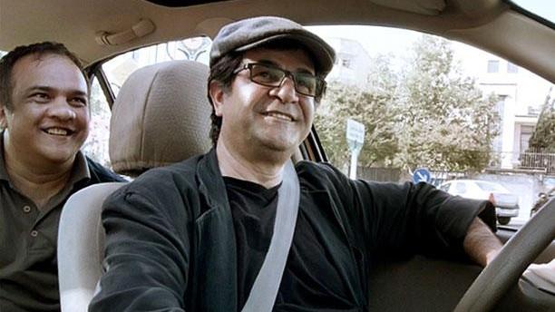 """(video) Filmul """"Taxi"""" a câștigat Ursul de Aur al celei de-a 65-a Berlinale"""