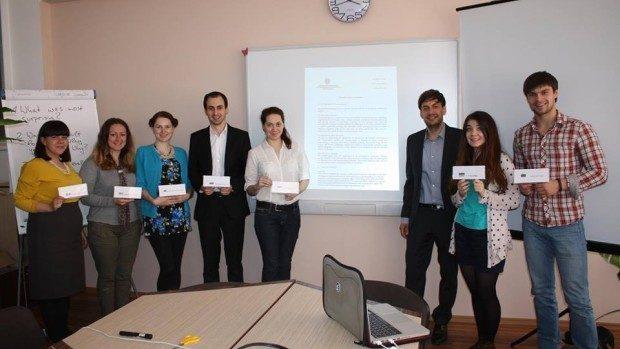 Participă la un workshop local intercultural și de simulare a dezvoltării Moldovei