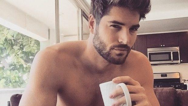 (foto) Instagramul bărbaților atrăgători care beau cafea – Men and Coffee