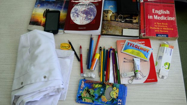 (foto) Proiect #diez: Ce poartă studenții de la USMF în geantă