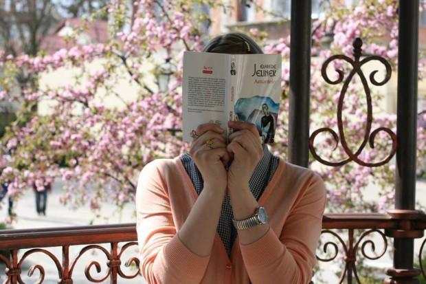 Dar ce carte tu citești acum? PC: Facebook/Veronica Zubcu