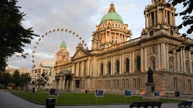 Călătorește gratuit în Marea Britanie, participând la o școală de vară pentru studenți