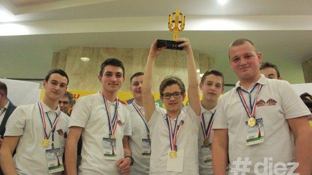 (foto) RoboNanny, câștigătorul FIRST LEGO League, va reprezenta Moldova la competiția din Estonia