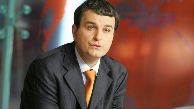 Lucian Mîndruță: Ora de religie nu e religie, ci e publicitate în favoarea unui singur cult