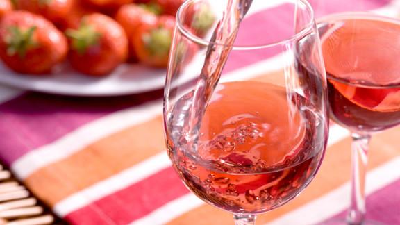 (grafic) Știai cum se produce vinul rosé? Află ce gust trebuie să aibă, în funție de metoda de producere