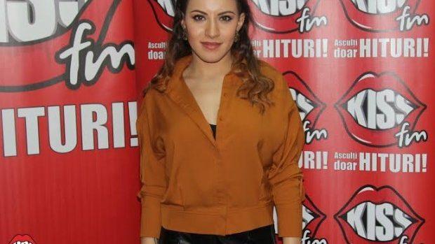 "(video) Tânăra interpretă Nicoleta Nucă a lansat piesa ""Nu sunt"" la Kiss FM"