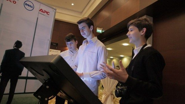 Elevii și profesorii sunt încurajați să participe la Moldova ICT Summit