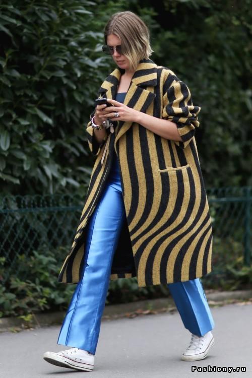 Ghete și blugi evazați  PC: fashiony.ru