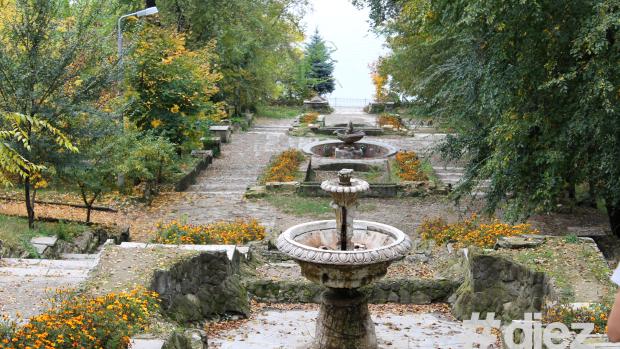 (foto) Cum se desfășoară reabilitarea Scării Cascadelor din parcul Valea Morilor