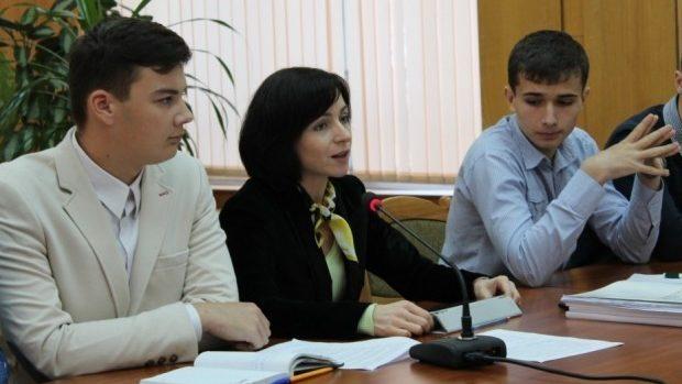 Membrii Consiliului Național al Elevilor din școli profesionale și colegii se întrunesc la Bălți