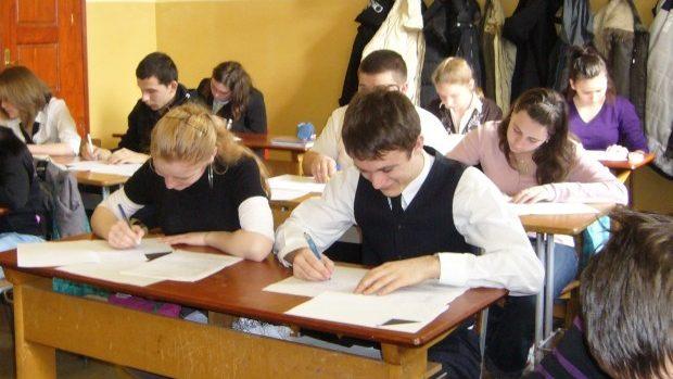 Elevi din Chișinău, Bălți și Ungheni – învingători ai Olimpiadei la Limba și literatura rusă