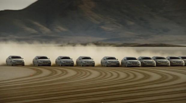 (video) Cea mai mare imagine desenată cu 11 automobile a stabilit un nou record Guinness