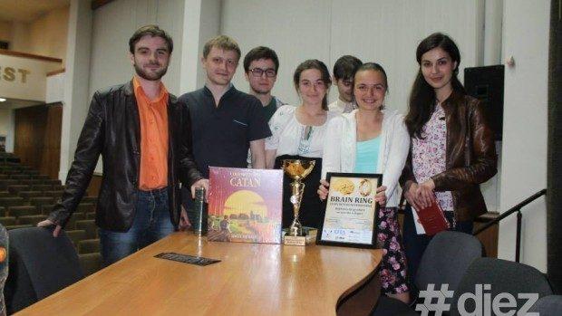 (foto) Studenții de la medicină au demonstrat că sunt cei mai erudiți la Brain Ring