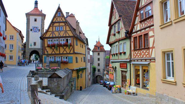 Fii deschis schimbărilor: 4 metode alternative de a călători gratuit