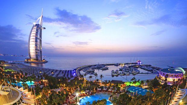 Moldovenii cu cetățenie română vor putea călători în Emiratele Arabe Unite fără viză