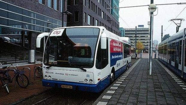 Amsterdam va avea numai autobuze electrice până în 2025