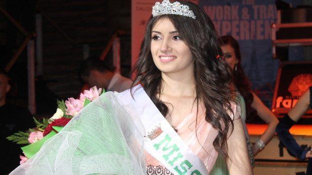 """(foto) Alina Bargan: """"Sunt foarte mândră că sunt Miss USM 2015"""""""