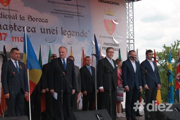 Înalții demnitari la deschiderea cetății Soroca