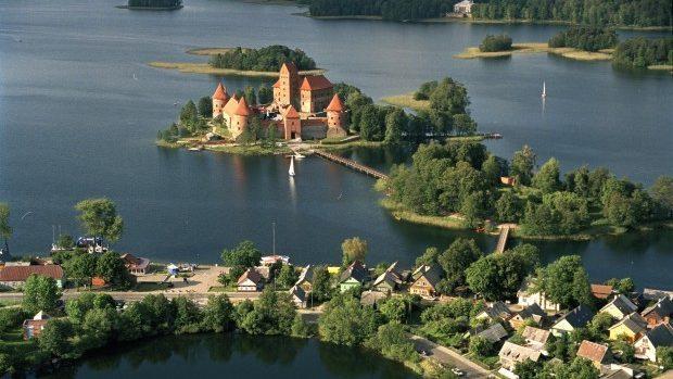 Oportunitate pentru tinerii moldoveni: Burse de studii de masterat în Lituania