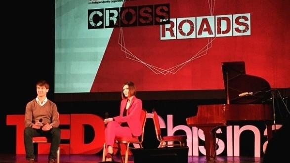 (livetext, foto) Ce se întâmplă la TEDxChisinau: Crossroads