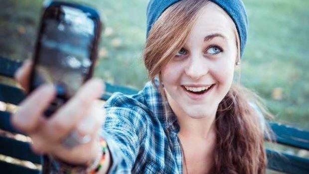 (video) Selfie cu sfârșit tragic: Două eleve din Moldova au fost electrocutate la Iași