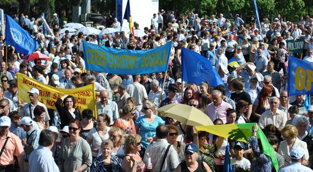 Sindicatele îl amenință pe Gaburici cu proteste