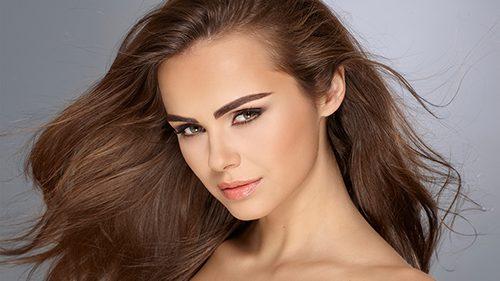 Xenia Deli a devenit imaginea unui brand de cosmetică cu renume internațional