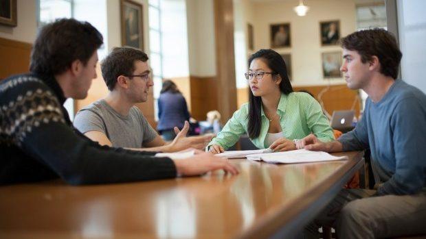 Câștigă un grant pentru un Masterat în Administrarea Afacerilor la o școală de business din SUA