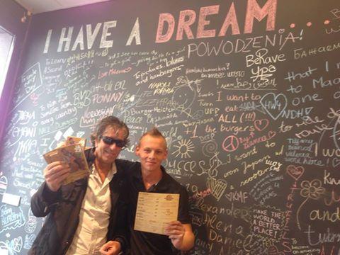 Peretele pe care clienții își pot scrie visele. PC: Hamburgeria.nl