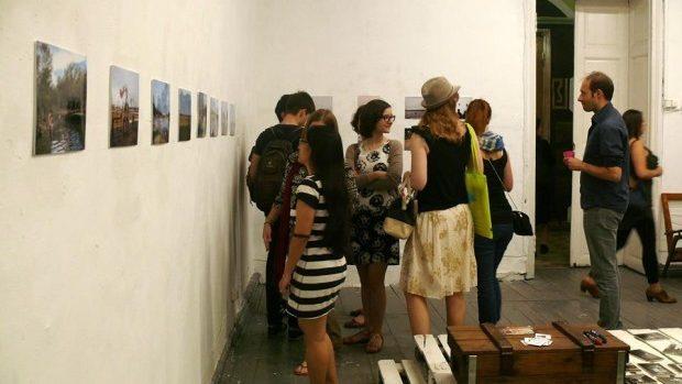 (foto) Salutări din Moldova – expoziție de grup a tinerilor artiști la Zpațiu