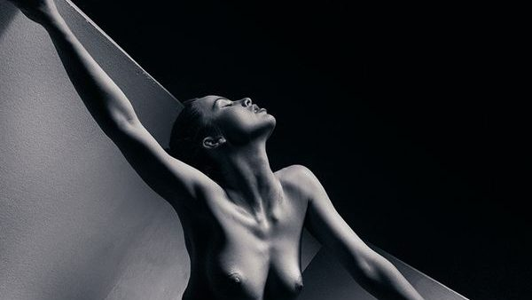 (foto) Nud artistic – pasiune, emoție și echilibru de la fotograful Vadim Stein