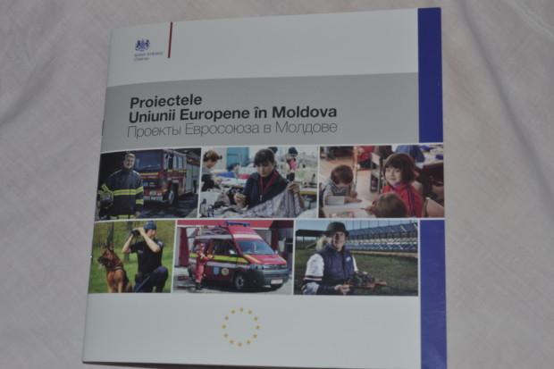 """Albumul """"Proiectele Uniunii Europene în Moldova"""""""