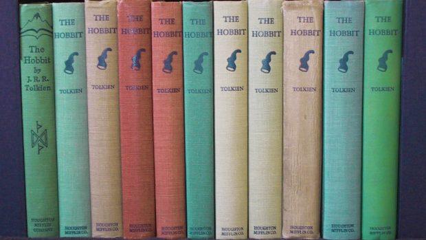 """Prima ediție a cărții """"The Hobbit"""" a fost vândută cu peste 200 de mii de dolari"""