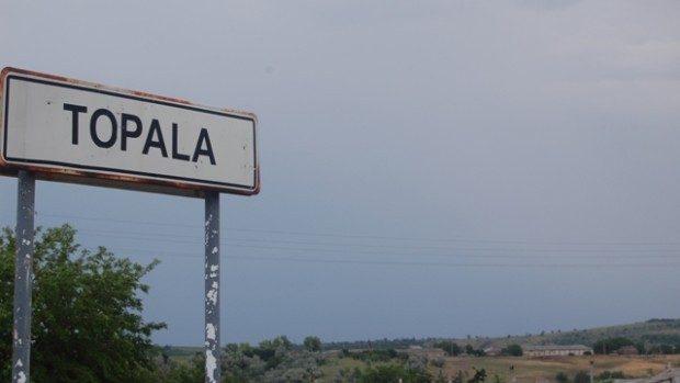 Alegeri cu incidente: În satul Topala din Cimișlia, câțiva localnici protestează în fața secției de votare