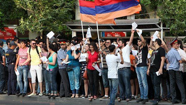După 6 luni de Uniune Vamală, cetățenii Armeniei ies în stradă pentru a protesta