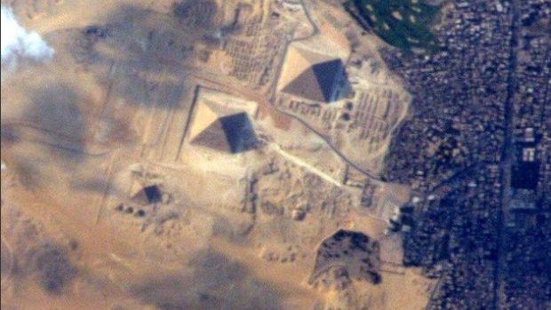 Un astronaut NASA a fotografiat piramidele egiptene din spațiu