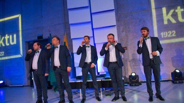 """(video) Piesa """"Moldovenii s-au născut"""", interpretată de un band din Lituania"""