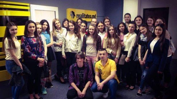 Participanții UpGreat Jurnalism au acumulat experiență la o redacție de știri din Chișinău