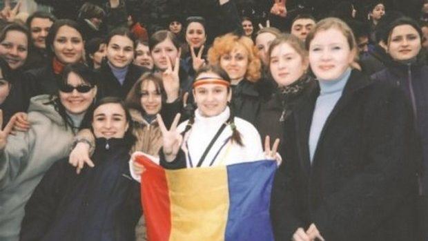 (foto) Călătorie în timp: Momentul când fiica Zinaidei Greceanîi apăra Istoria Românilor